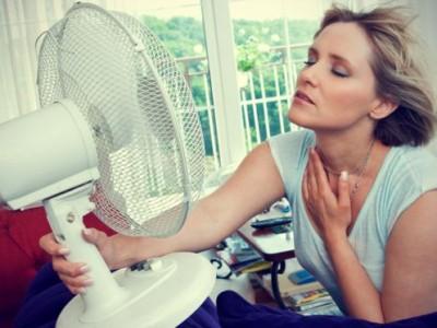 3 super trika kako ventilator pretvoriti u klimu – brzo i lako